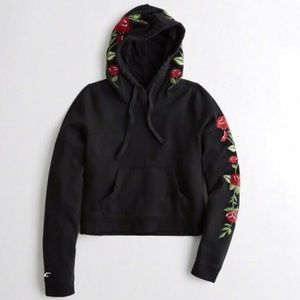 Hollister | Black Rose Cropped Hoodie L